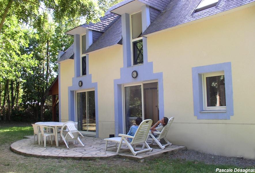 Location maison vacances ile aux moines golfe du morbihan for Piscine seynod ile bleue
