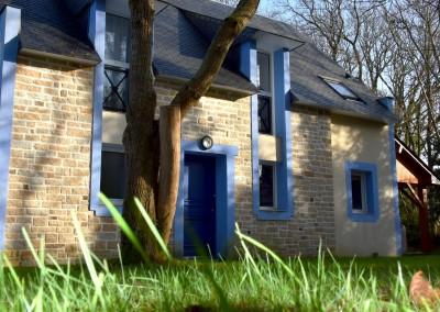 la maison bleue façade entrée